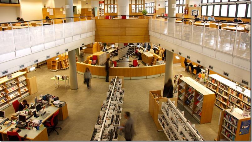 Biblioteca Pública Latina