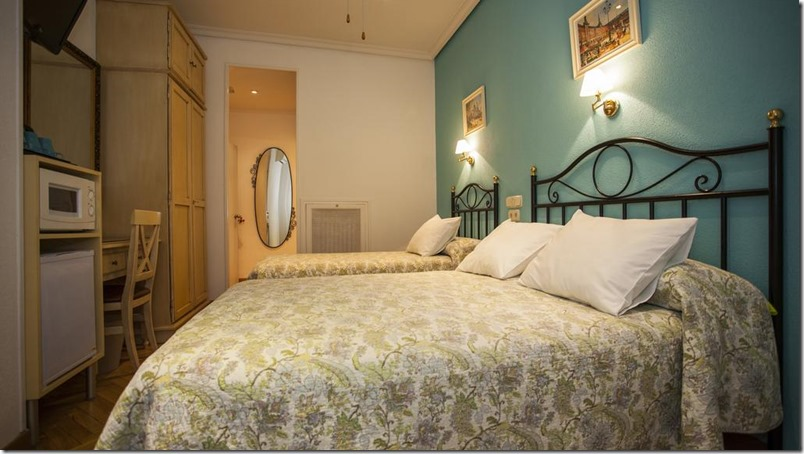 hostal-hs-avarooms-madrid
