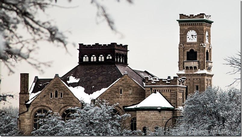 iglesia-invierno-torre-reloj