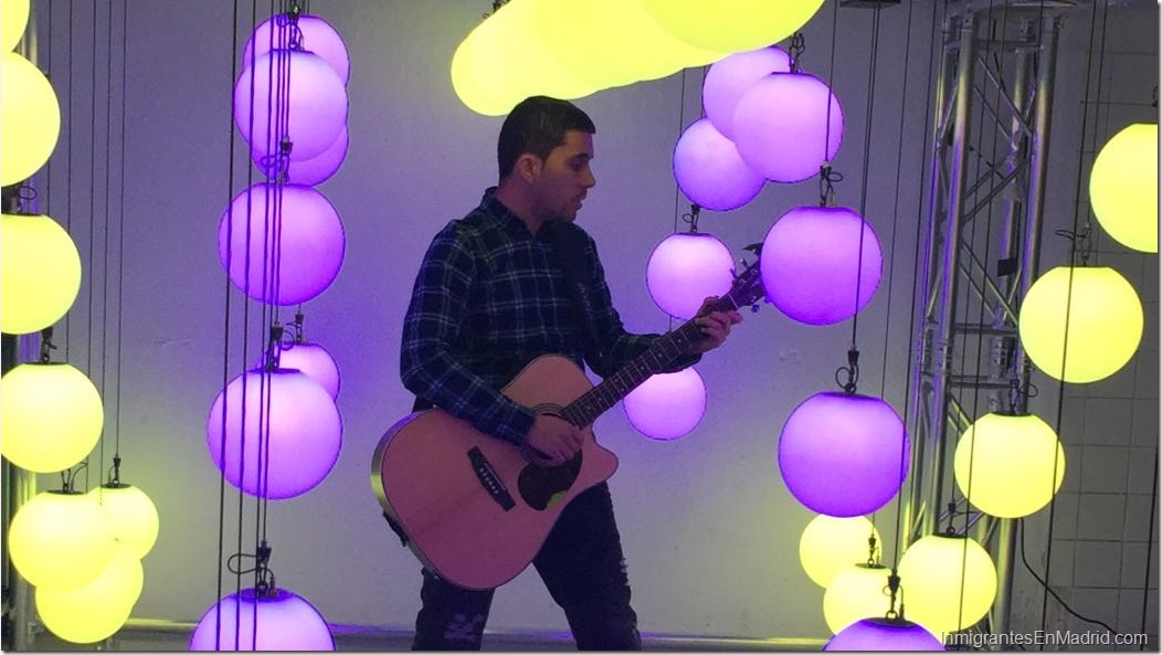 pedro-crespo-cantante-venezolano-en-madrid_ (2)