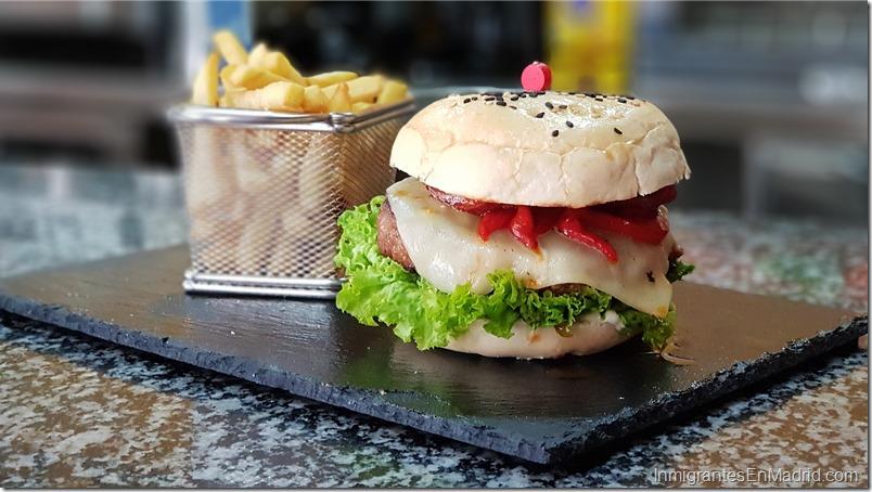hamburguesas-comida-venezolana-alcala-de-henares-caminos-bar_ (65)