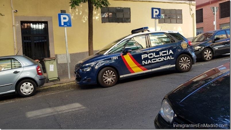 Patrulla de la Policia Nacional en Madrid